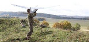 Dronele din noua generație își vor schimba forma în zbor