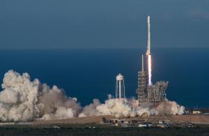 """SpaceX experimentează """"booster-ele revoluționare"""""""