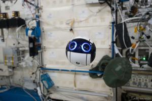 "Int-Ball, un ""asistent valoros"" trimis de Japonia pe ISS"