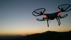 Modificări ale regulamentului FAA pentru drone mici