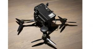 """O dronă """"ucide"""" o altă dronă lovind-o cu 160 km/h"""